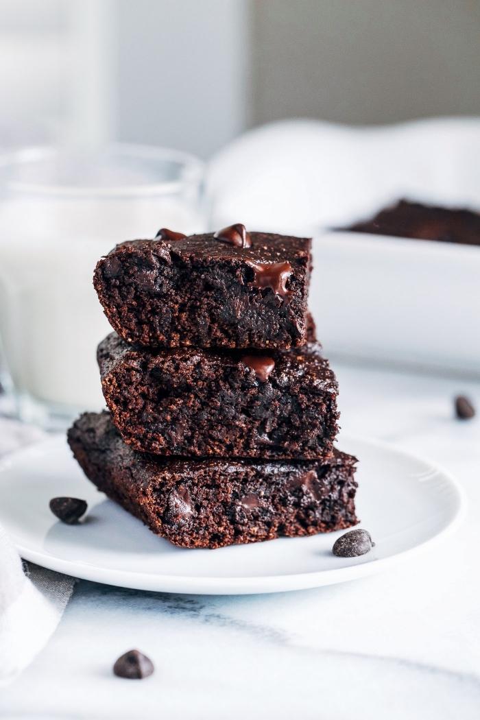 recette de brownie vegan à base d'avocats, recette de gateau sans oeuf ni beurre façon brownie moelleux
