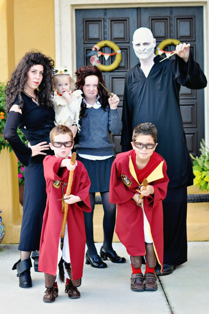 Soirée déguisée organiser une soirée thématique parfait avec beaucoup d amis Harry potter et sa famille déguisement Voldemort