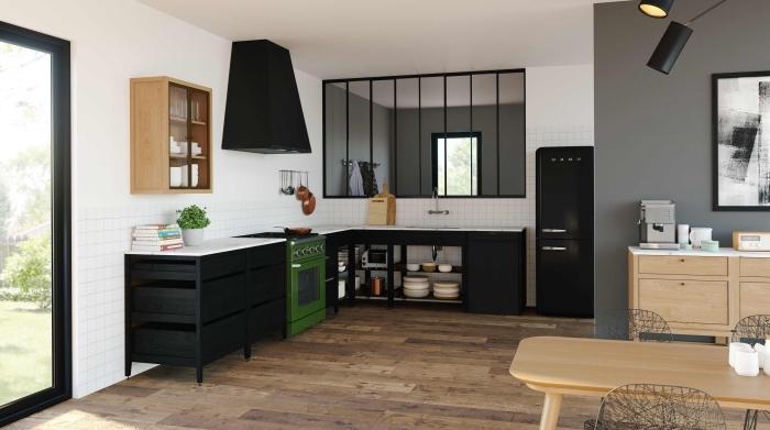 cuisine aménagée pas cher, déco de cuisine d'angle avec meubles en noir, modèle agencement cuisine en L