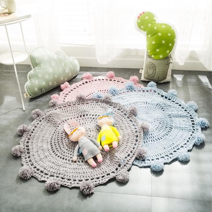 design intérieur moderne et relaxante dans une chambre d'enfant, idée tapis de jeu enfant diy rond, tapis crochet facile