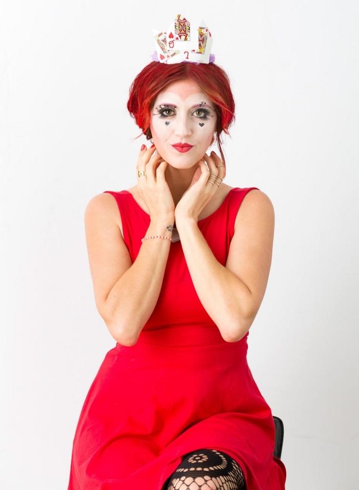 costume de reine de coeur diy, idée de deguisement a faire soi meme facile, costume et maquillage diy pour femme