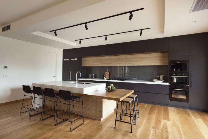 déco de cuisine contemporaine aux lignes épurées et couleurs neutres, exemple cuisine en longueur avec îlot central