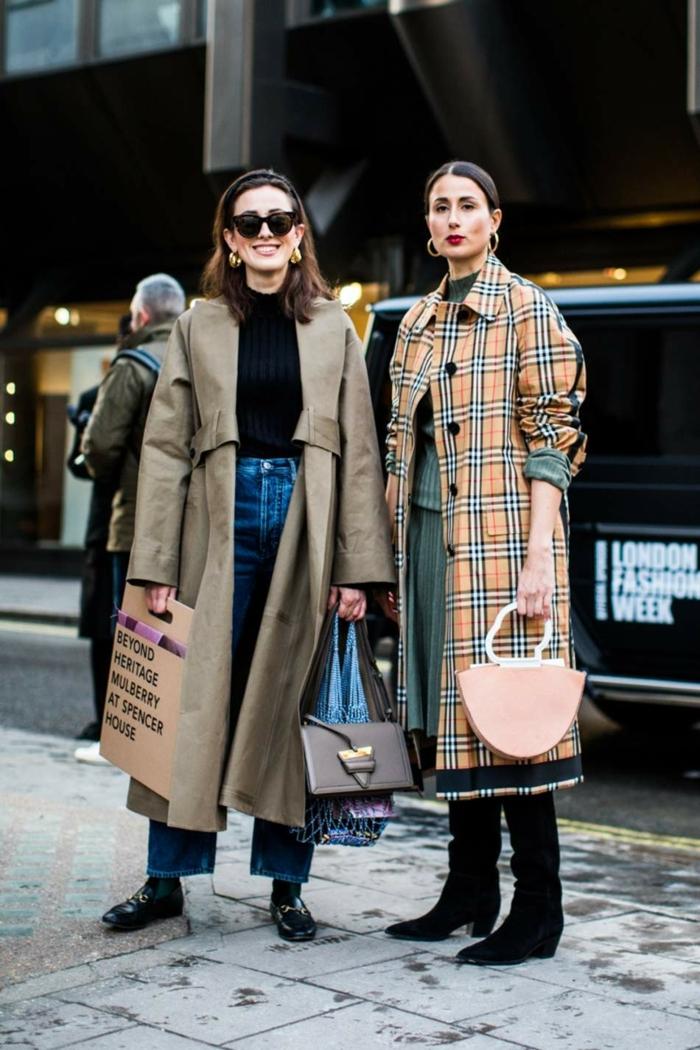 manteaux trench, vestes longues, trench carrés classiques, sac rose poudré, pull noir, veste neutre