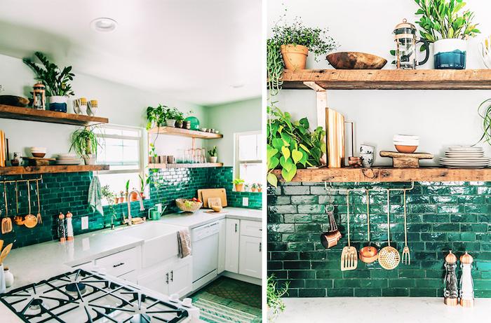 quelles plantes pour la cuisine, carrelage vert d eau et meuble cuisine bas blanc, étagères en bois brut, avec des plantes et ustensiles de cuisine