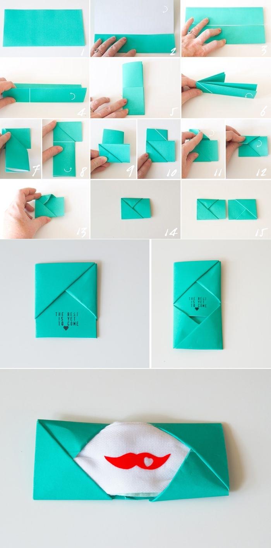 fabriquer enveloppe-pochette avec la technique de pliage origami pour y glisser une serviette personnalisée à message d'amour, idée de cadeau de saint-valentin de dernière minute