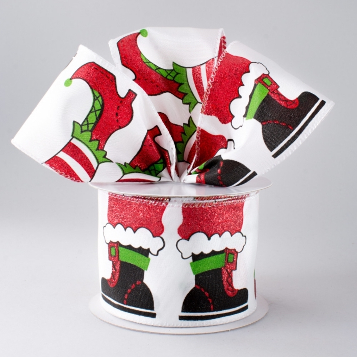 réaliser une décoration de noel facile et amusante, modèle pliage de serviette de noel en tissu avec figurines