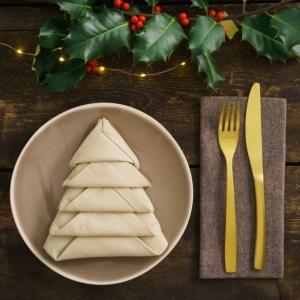 Pliage de serviette pour Noël - techniques et idées pour surprendre ses invités