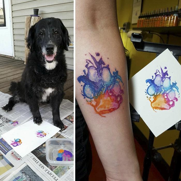Tatouage jambe femme, design original de tatouage, idée pour les femmes, patte de chien coloré dessin tatouage