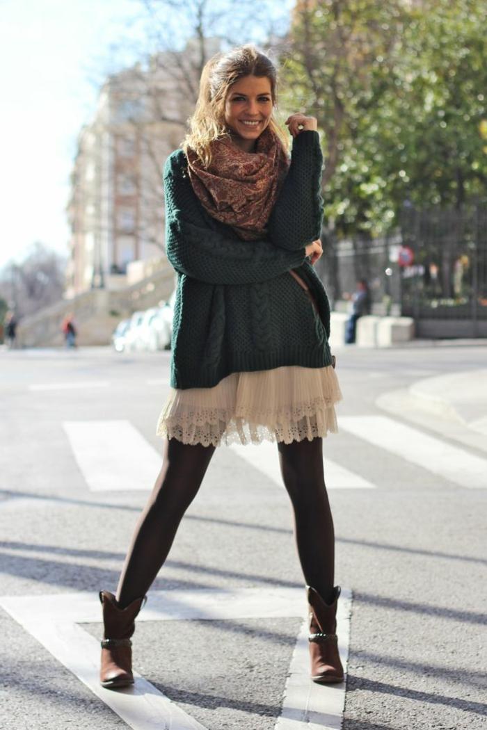 Style boheme chic femme, vetement boheme robe d'été et pull over size, adorable photo de femme bien habillée