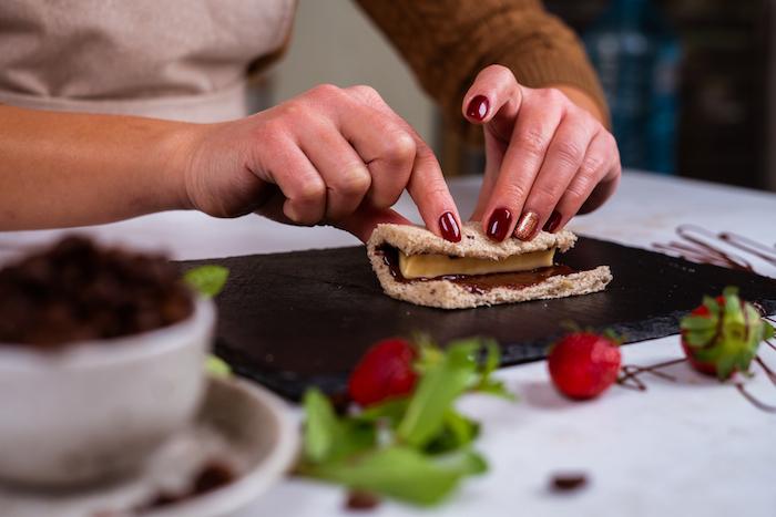 comment enrouler le roulé de pain de mie complet, idee petit dejeuner sain a faire pour un enfant