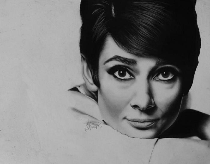 Expression de la beaute en art fusain dessin noir et blanc, magnifique portrait de femme célèbre au fusain