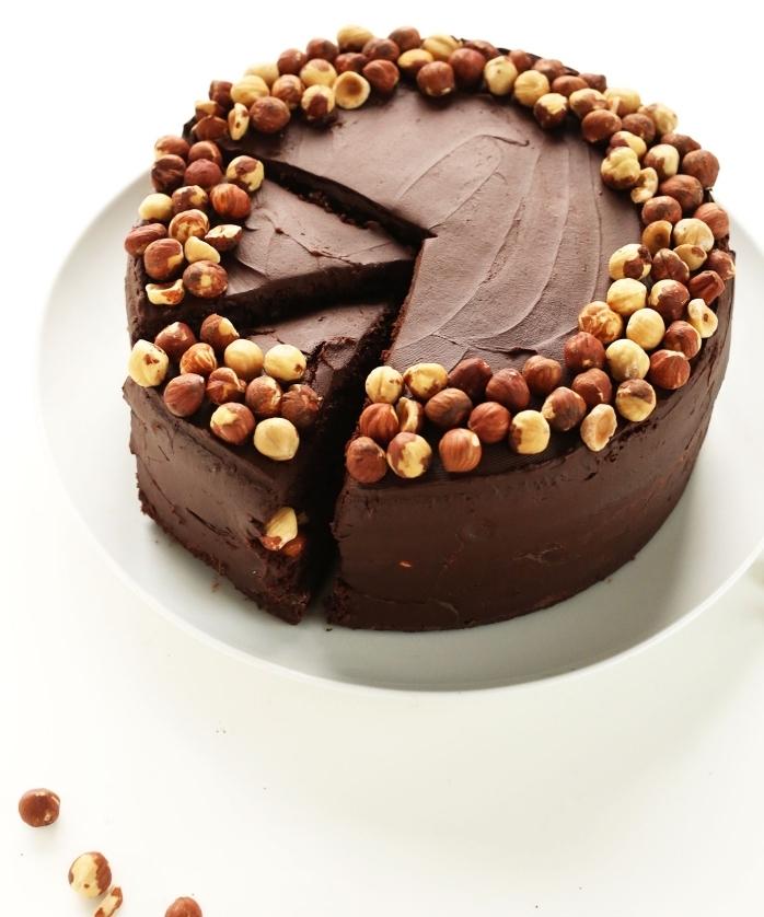 recette facile de gateau vegan chocolat et noisettes sans gluten et sans lactose, comment préparer de la ganache au chocolat en version vegan