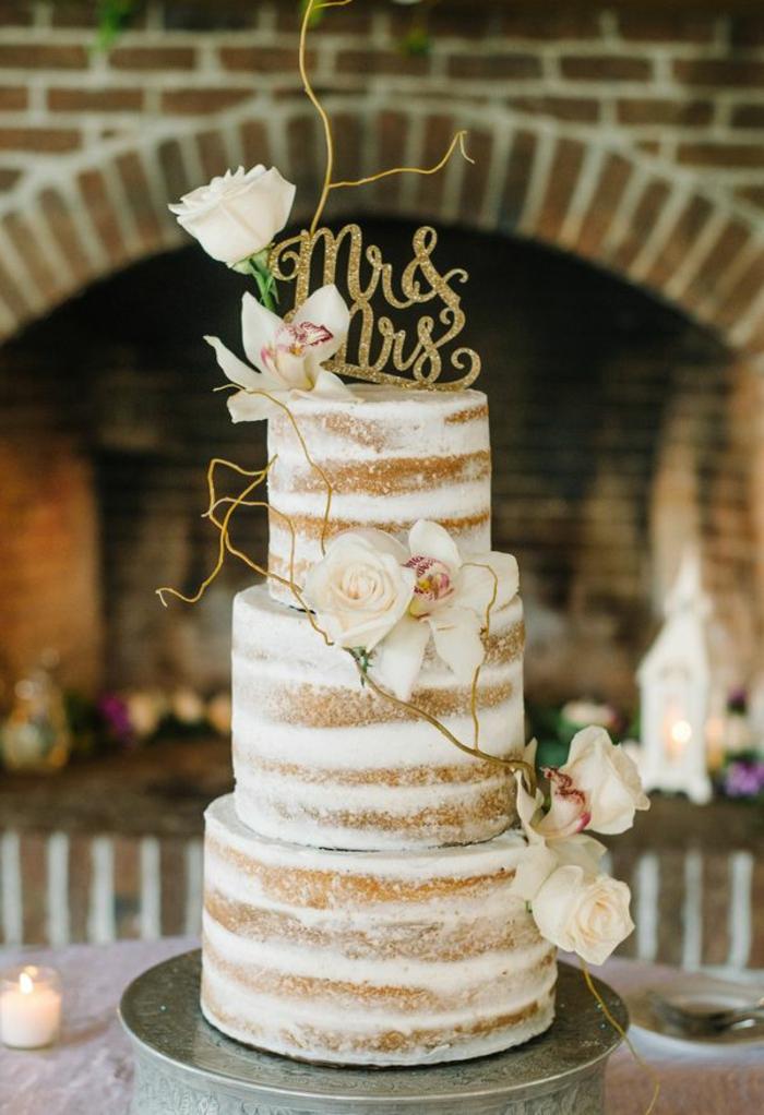 Gateau d anniversaire mariage naked cake, idée gateau anniversaire simple et beau image décoration minimaliste avec fleurs