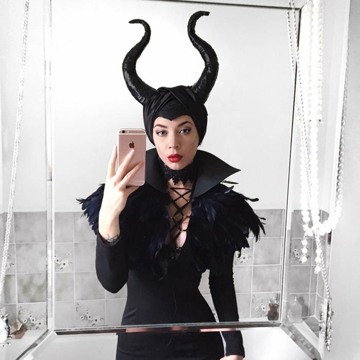 Organiser une soirée thème déguisement, soirée amusement entre amis, Angelina Joli dans un film de disney