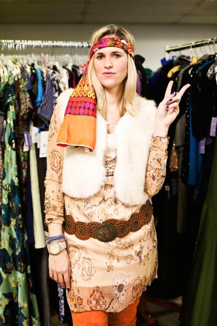 Thème déguisement soirée déguisée Hippie des années 60-s, soirée costumee avec un thème