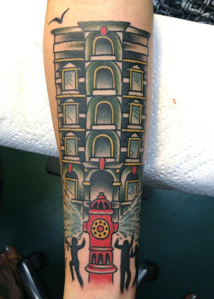 Joli tatouage femme poignet, le choix de dessin sur la peau atypique, idée originale pour un tatouage