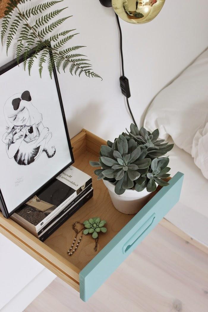 table de nuit miniature en tiroir repeint en vert d eau at fixé au mur, organiser ses affaires, lectures, planches et decorations