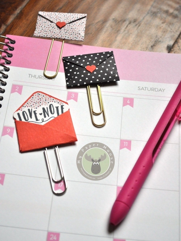 customiser un agenda avec des enveloppes origami en version mini, adorable pliage enveloppe pour vos projets de scrapbooking