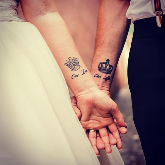 Idées tatouage infini, tatouage original article sur les tatouages belle image, couple tatouage couronnes