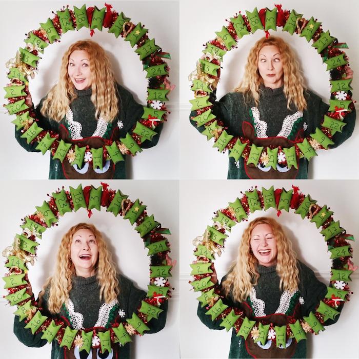 calendrier de l avent rouleau de papier toilette sous la forme de couronne de noel en vert et rouge, decoration de noel a faire soi meme