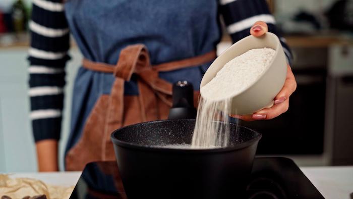 incorporer la farine de blé entier au reste des ingredients comment faire une pâte à churros maison dans casserole