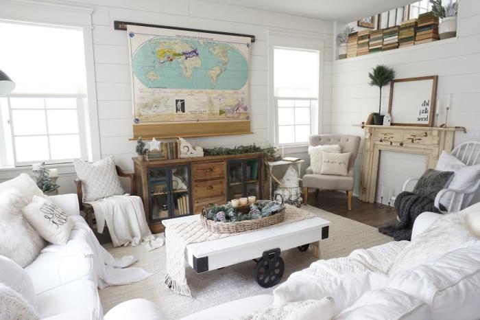 déco cocooning salon blanc avec un grand canapé blanc moelleux et du mobilier industriel pour une ambiance authentique et douillette