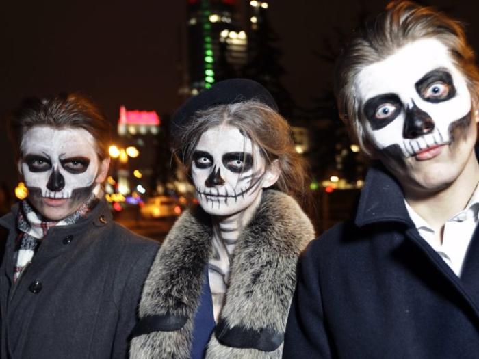 Chouette idée de soiree a theme, deguisement groupe, thème déguisement, soiree costumee, amis maquillage crane squelleton deguisement