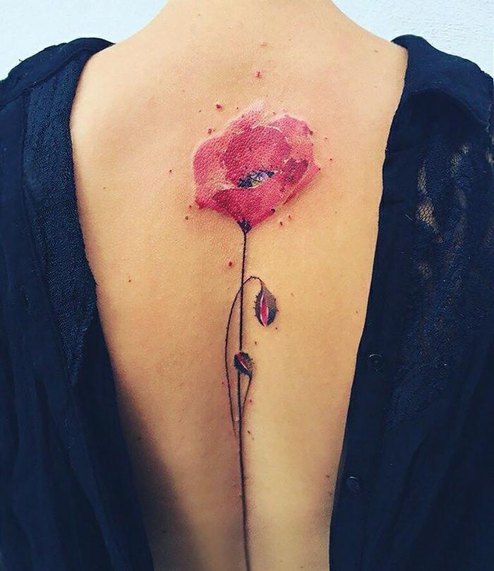 Atypique tatouage infini, idée tatouage poignet femme, inspiration tatouage original spine tattoo fleur coloree