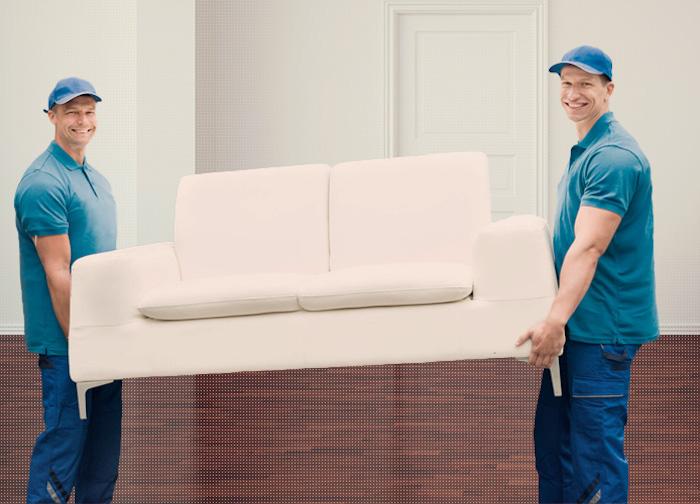 image d'illustration de livreurs après l'achat de meuble en ligne et canapé sur internet
