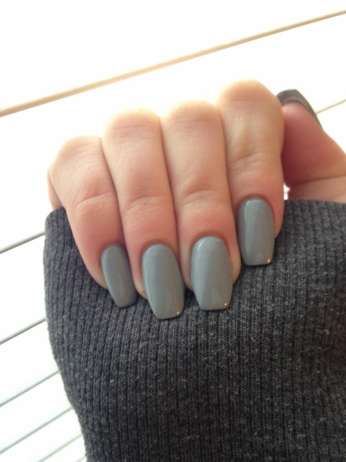 forme des ongles tendance, manucure ongles ballerine unicolore, couleur vert