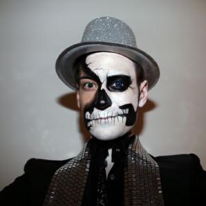 Le maquillage halloween homme facile en plusieurs photos et vidéos