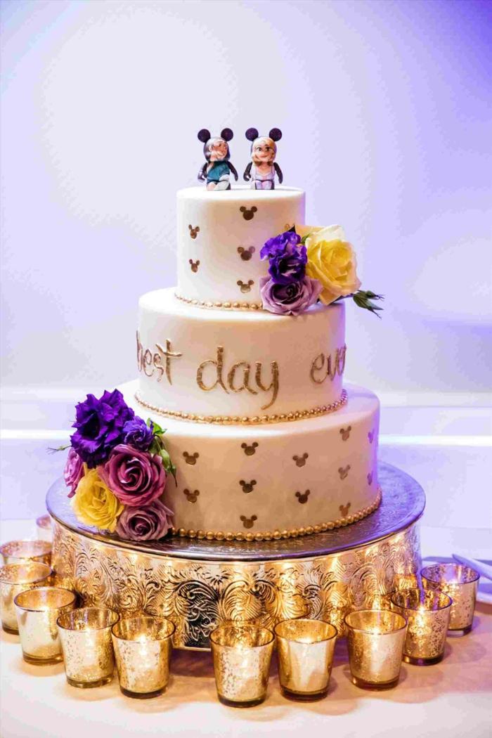 Gateau mariage original sur le theme de disney personnages, gateau anniversaire simple et beau