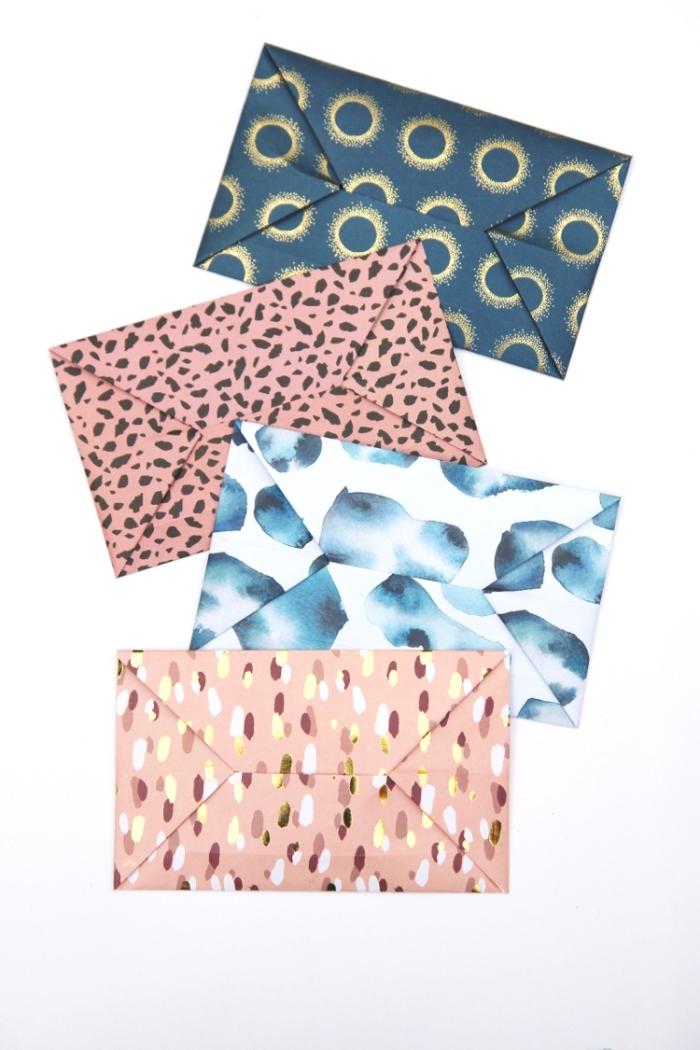 comment plier une enveloppe en origami facile et rapide, modèle d'enveloppe pliée traditionnelle en papier imprimé graphique et tendance