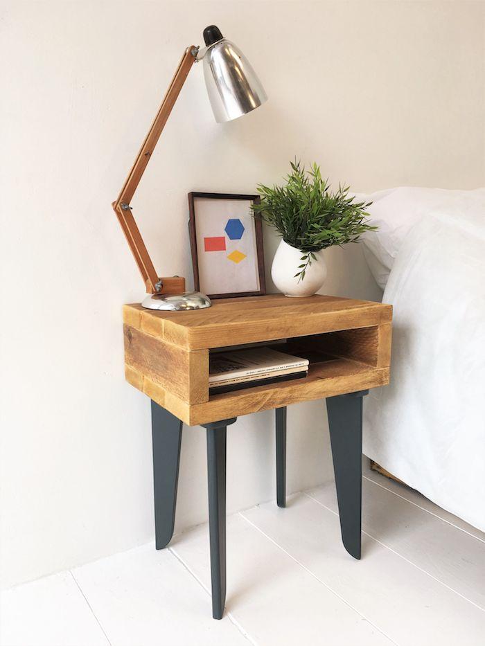 1001 id es diy pour faire une table de chevet en palette et autres objets r cup. Black Bedroom Furniture Sets. Home Design Ideas