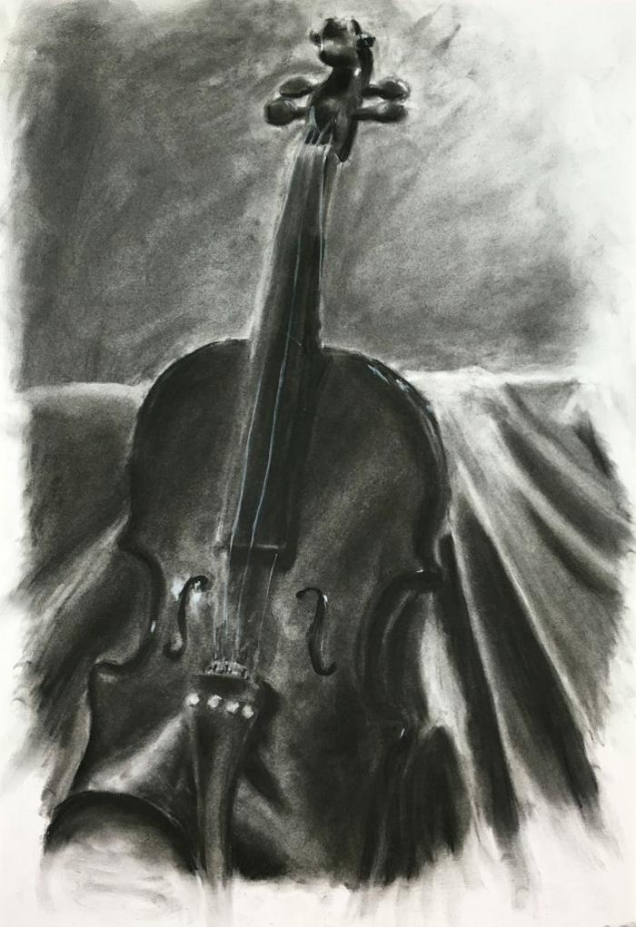 De la musique avant toute chose, dessin noir et blanc violine, dessin au fusain pour debutants de la nature morte