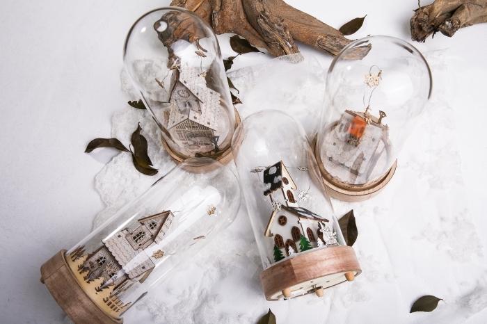 idée fond d écran noel gratuit, photo avec objets fait main sur le thème noel, modèles de boules de neige diy