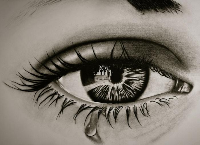 Beau dessin noir et blanc facile, au fusain technique différente, idée de dessin magnifique d'oeil avec tous les details