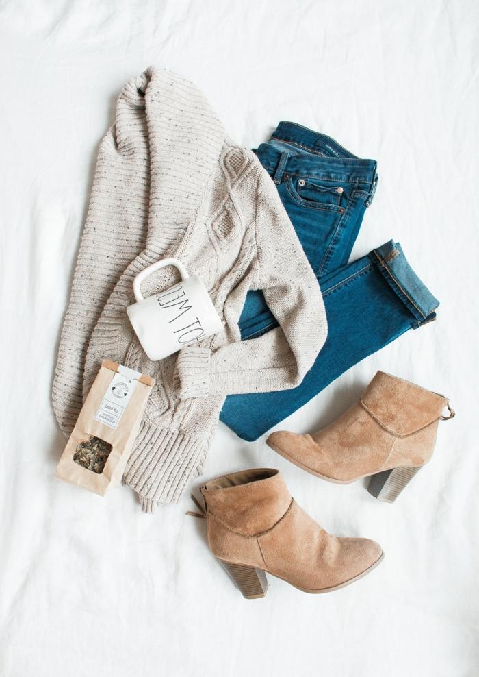 Quelle est la meilleure tenue boheme chic, style boheme chic tendance, tenue maison ou promenade en automne, jean gilet grosse maille et bottines