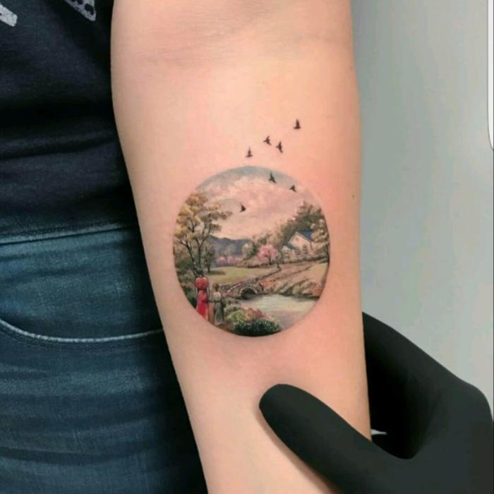 Chouette idée de tatouage plume, tatouage original se faire tatoué par un professionnel art et oiseaux