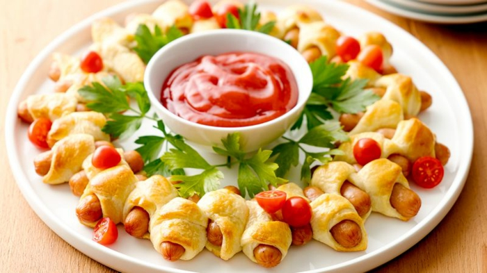 brioches avec saucisses garnies de tomates cerises découpées et de persil, sauce rouge