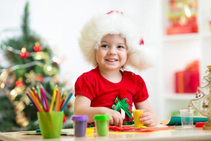 activité maternelle pour vacances de noel avec dessins à colorier pour enfants