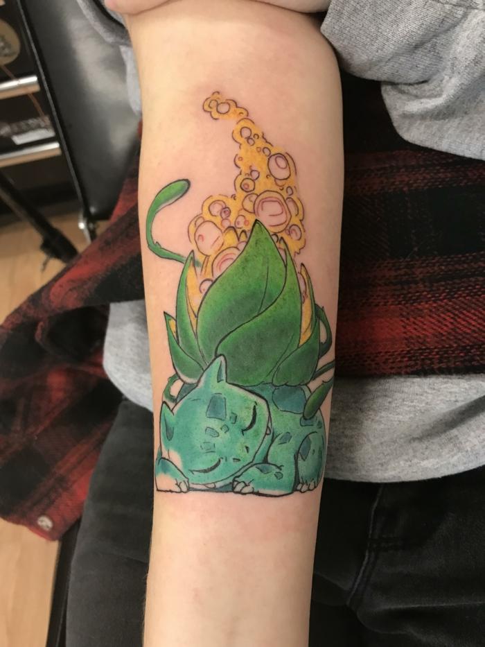 Inspiration tatouage soeur, tatouage avant bras cool idée pour se tatouer coloré baltazar de pokemon