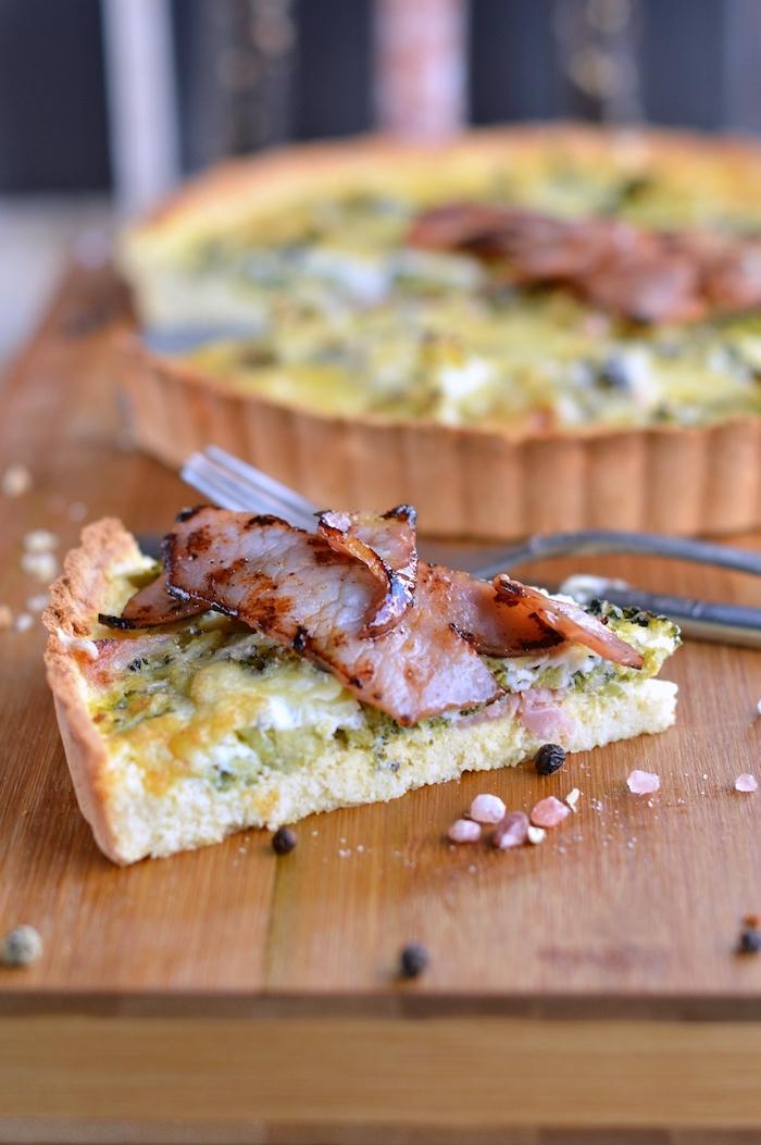 recette quiche salé aux brocolis et lardons et fromages en top, idée repas anniversaire à partager avec des amis