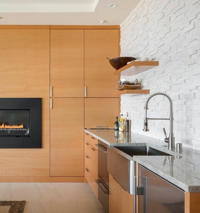 design intérieur moderne, panneau mural décoratif intérieur cuisine, déco de cuisine aménagée en longueur