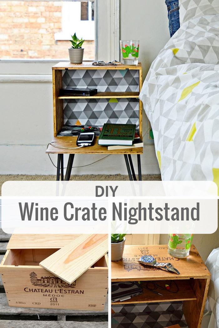 caisse de vin transformée en table de nuit avec une petite étagère plateau de rangement, linge de lit gris, jaune et blanc