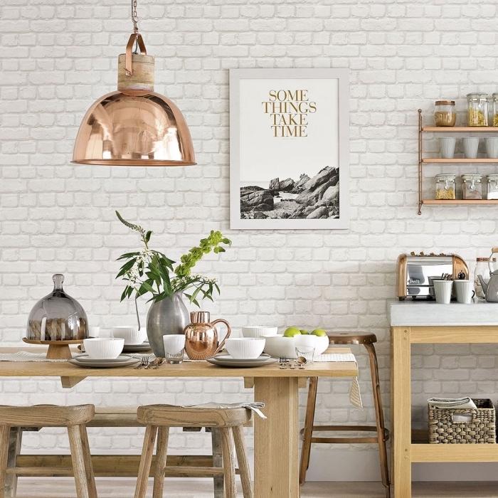 modèle de cuisine équipée avec coin repas, déco murale dans une cuisine blanc et bois, cuisine avec mur à effet briques blanches