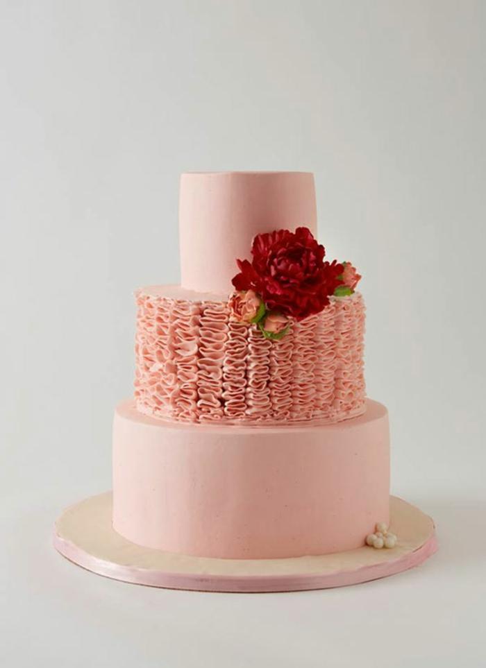 Gateau anniversaire 1 an couverture rose pour fille, idée gateau anniversaire simple et beau inspiration