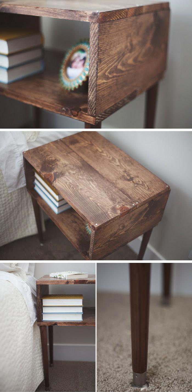 recyclage palette pour faire une table basse en palette avec rangement intégré pour decortion et des livres de chevet