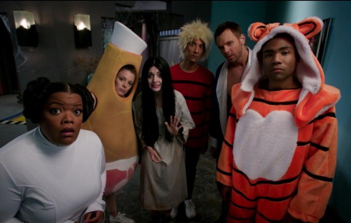 Deguisement groupe serie populaire soiree cineaste cool pour les invites, originale idée pour une groupe d amis
