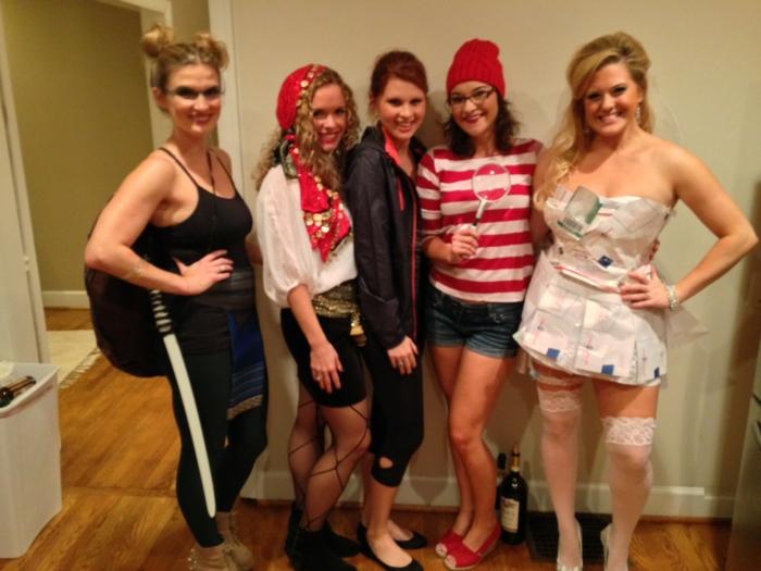 Cool idée pour inviter amis a se deguiser, thème déguisement, deguisement groupe soirée déguisée, organisation insolite
